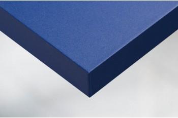 Текстурированные и легко формирующаяся самоклеющиеся виниловые покрытия для стен и мебели в темно-синей отделкой.